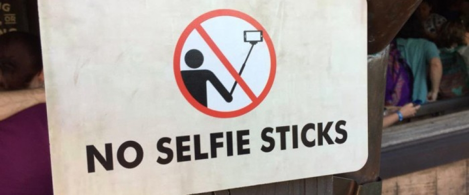 Banning Selfie Sticks @DisneyWorld @Disneyland and 3 Reasons Why I Am happy They are Banned