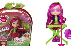 GIVEAWAY: Strawberry Shortcake Sweet Beats Doll Raspberry Torte