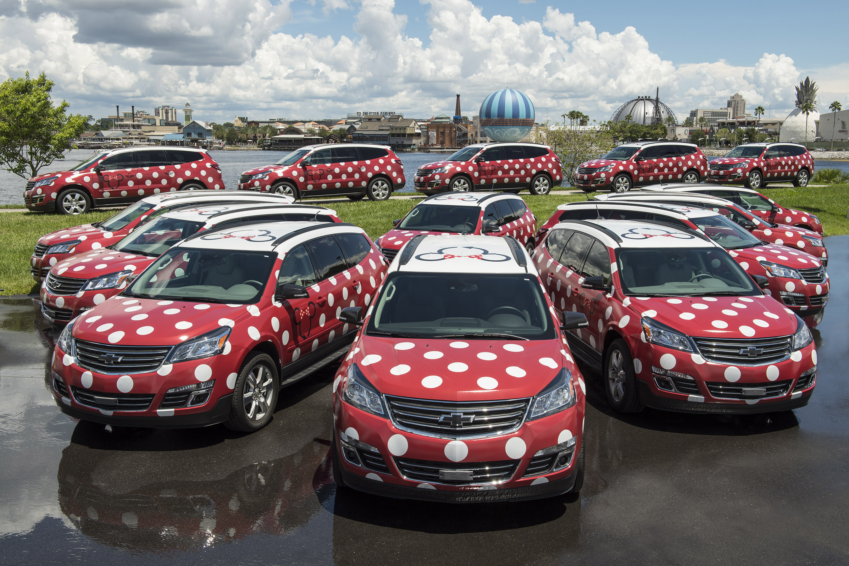 Walt Disney World Resorts Minnie Van