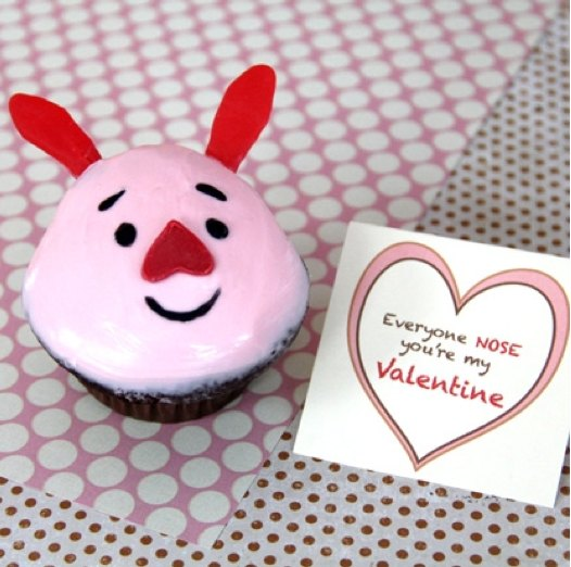 Piglet Cupcakes, Valentine's Day cookies, Valentines day cupcakes, Disney crafts, Disney valentines day cookies