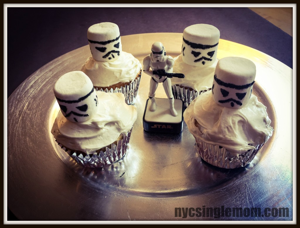 """Stormtrooper Cupcakes for Star Wars Viewing Party"""