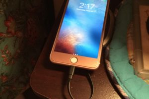 REVIEW: Charge and Back Up Your iPhone with SanDisk iXpand Base