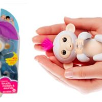 GIVEAWAY: Fingerlings Baby Monkey Sophie @WowWeeWorld